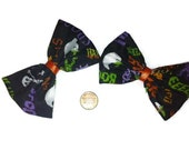 Halloween Text Bows, Halloween fabric, Spooky Text, Haunted, Goth, Gift Ideas, Ghosts, Skeletons, Costume Accessories, Boo, Spooky Hair bows