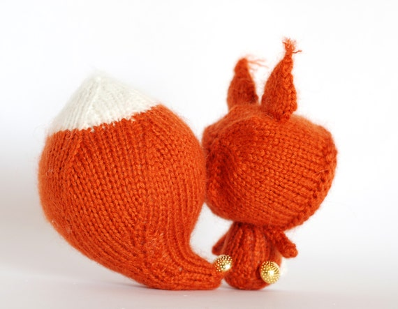 Knitting Toys In The Round : Terracotta squirrel doll with removable tail tanoshi