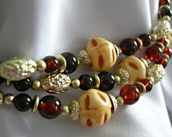 Lightweight Multi Color Earth Tones Beaded 3 Strand Necklace - Unsigned - Vintage