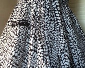 Black And White Vines And Leaves Print Half Apron - jacquiesews