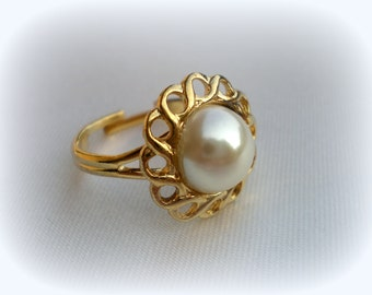 75% SALE Pearl Ring..Cheap Ring..June Birthstone Ring..Vintage Pearl Ring..Adjustable Ring..Size 6/7/8/9..Great Gatsby Jewelry..70's NOS