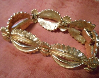 Beautiful Vintage Coro Bracelet Costume Jewelry 1960s Womens Accessory