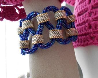 Loop de Loop Bracelet Cuff