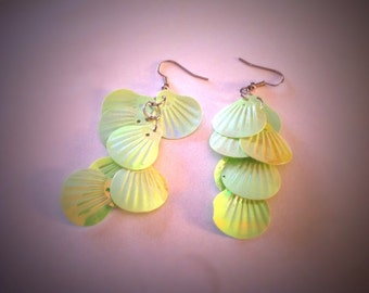 Seashell lime green pearl finish earrings - retro dangles