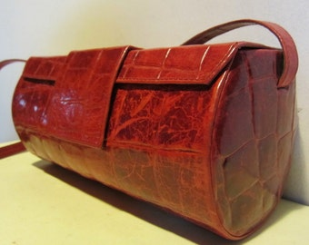 Adorable vintage croco look leather evening bag cranberry red