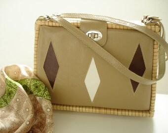Vintage Mod Straw and Naugahyde Handbag Picnic/Sporty Made for Grants in British Hong Kong