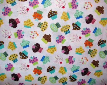 Sweet Treats Cupcakes - pink - Linda Solovic for Timeless Treasures - YARD