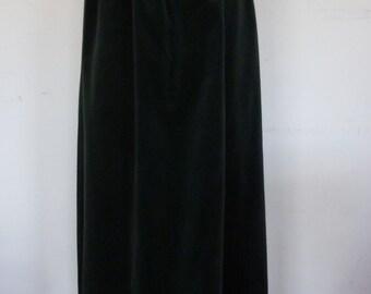 Velvet Maxi Skirt Vintage Hunter Green Formal Maxi Evening Skirt Made by Country Suburban Size 6 1970s