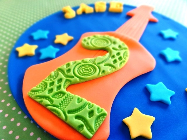 6 Fondant Guitar Cake Topper Edible in addition Girl Pop Star Birthday Party Cake Topper furthermore WeepingAngels likewise Viewtopic likewise Frozen Queen Elsa Coloring. on rock stars wedding cake topper