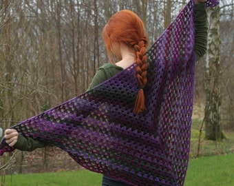 Crochet granny stitch purple and green shawl / neckwarmer