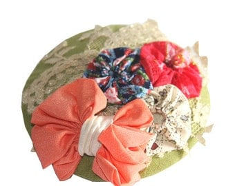 SALE - Small hat fascinator color lime green