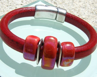 Red Regaliz Leather Bracelet with Red Ceramic and Silver metal accents