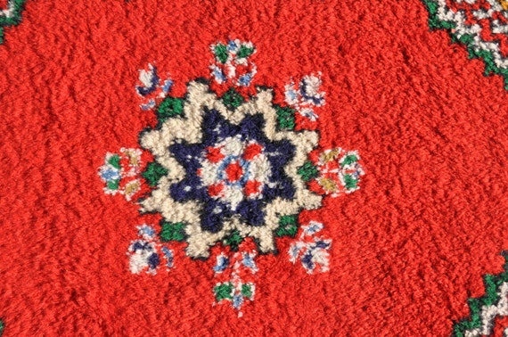 Moroccan Wool Rug 4 Ft 8 In By 2 Ft 8 In