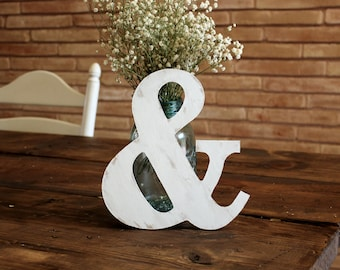 rustic white sweetheart & table decor . ampersand sign for mr and mrs table . photo pro wedding shower decor