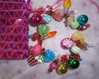 Christmas Bracelet/ Holiday charm bracelet/ beadiebracelet