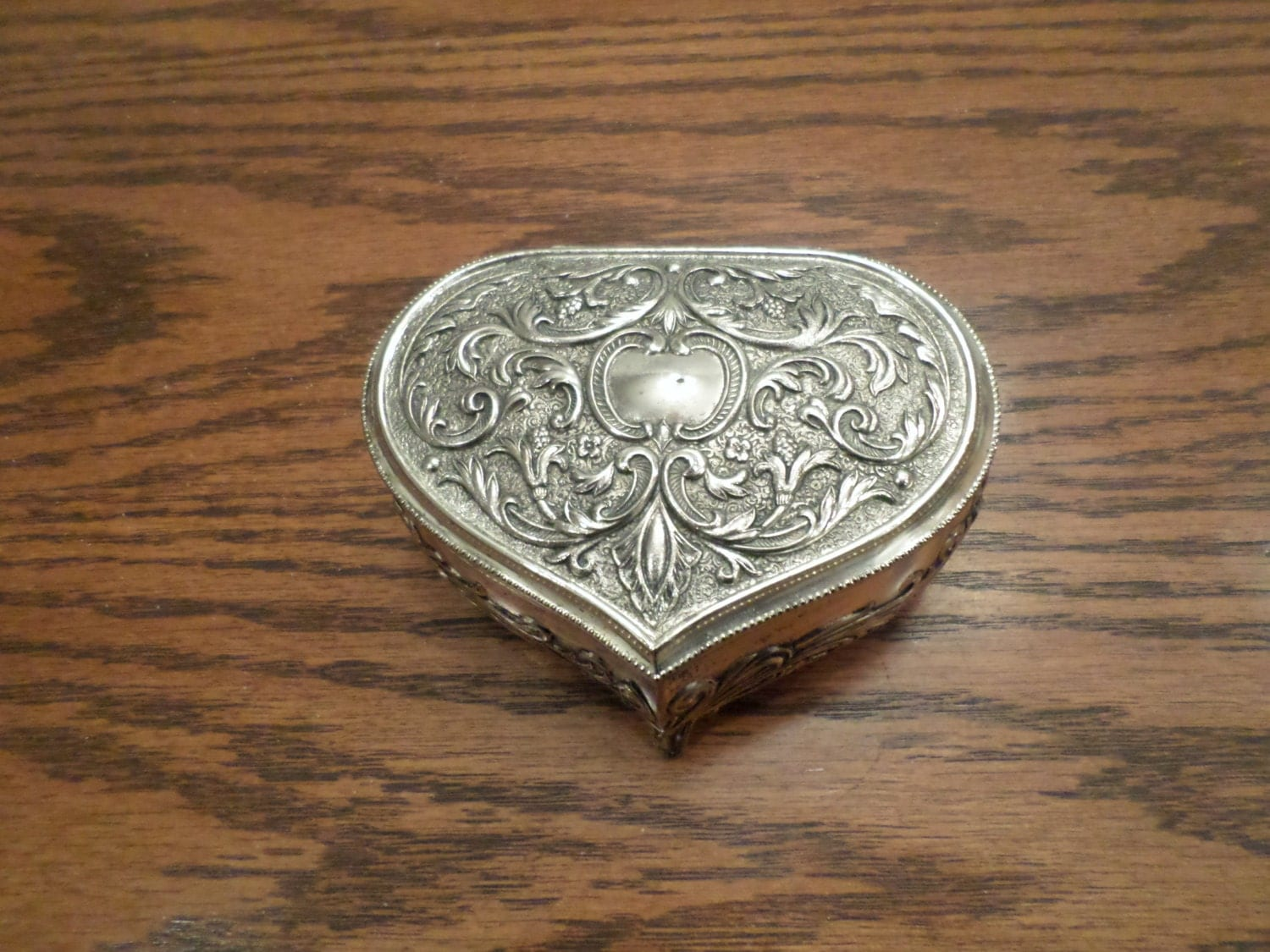silver plated ornate heart jewelry trinket box. Black Bedroom Furniture Sets. Home Design Ideas