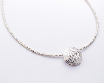 Very nice choker 925 silver beads.
