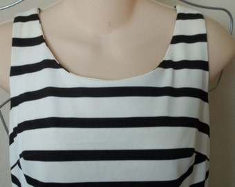 SALE!  1960'S Vintage black and white striped dress