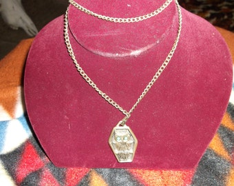 Mothers Day Gift Owl Necklace Vintage J. Ritter  silver tone  with silver tone chain.epsteam