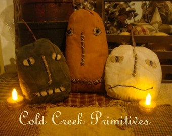 Primitive  Pumpkins Folk Art Jack O Lanterns Set of 3