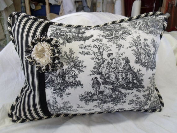 Shabby Chic Pillows On Etsy : Items similar to 14x20 Shabby Chic Lumbar Pillow on Etsy