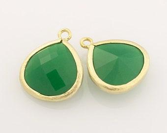 1003224 / Palace Green Opal / 16k Matt Gold Plated Brass Framed Glass Pendant 15mm x 18mm / 1.7g / 2pcs