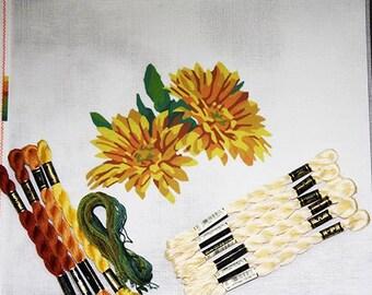 Daisies Needlepoint Kits, Needlepoint Florals, Needlework Daisies, Needlepoint Designs, Needlework Flower Kits, Gerberas Needlepoint Kit