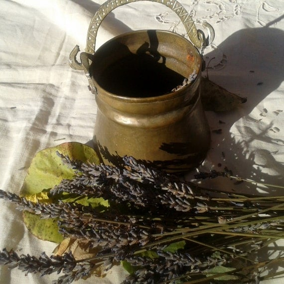 Antique Brass Bucket Hand Hammered Rustic Dried Flowers Vase Pot Country Side Decoration #sophieladydeparis