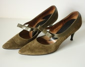 Vintage 1960s Olive Green Suede High Heels with Bow Accents , Size 7 1/2 AA
