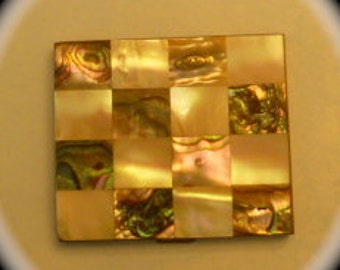 WOW - Mother of Pearl Vintage Powder Compact with Mirror - c1950s