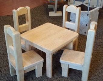 """18"""" Doll table w/4 chairs"""