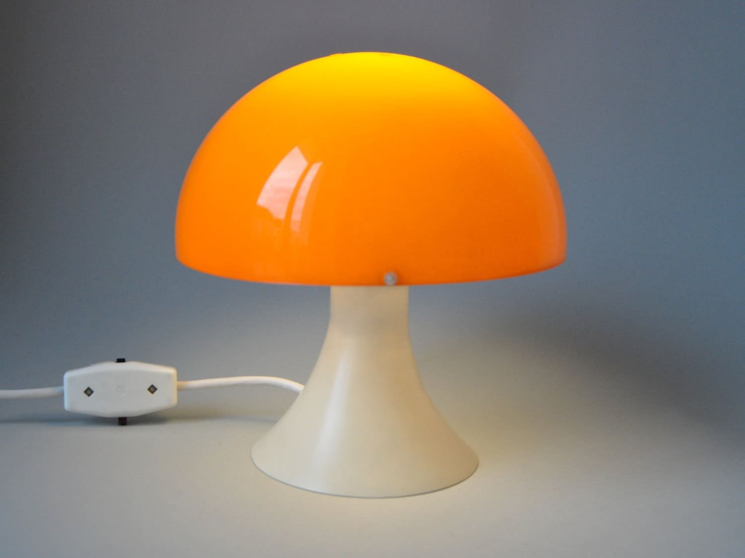 vintage lampe panton orange champignon plastique ann es 70. Black Bedroom Furniture Sets. Home Design Ideas