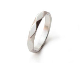 Ring Silber 925 Sterling: FACETTE - geometrisch facettierter Ring aus 925 Sterling Silber