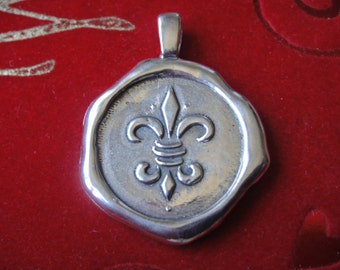 925 sterling silvder large disc with fleur de lis, silver fleur de lis pendant, fleur de lis, large fleur de lis