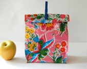 Oil cloth lunch bag in yellow pink flowers/yellow mums