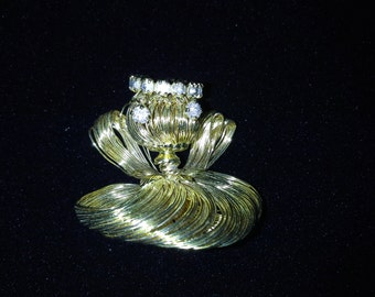 Gold Wire and Rhinestone Angel Pin