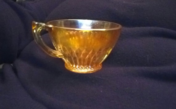 """Beautiful carnival glass lovely dark yellow ribbed 3""""cup excellent condition"""