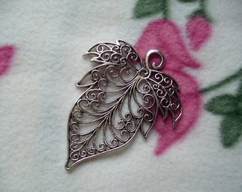1 pendant, leaf (276)