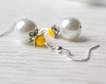 Yellow Beaded Bridesmaid earrings Yellow flower girl jewelry Bridesmaids gift jewelry Bright yellow wedding earrings