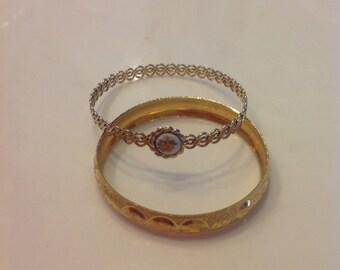 VINTAGE set of 2 goldtone bangles for girls