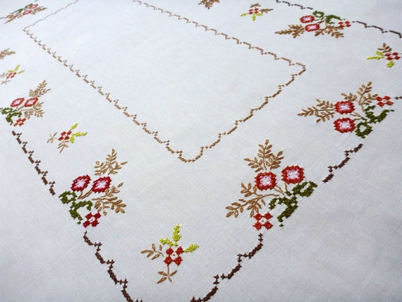 Big White Cotton Tablecloth With Floral Embroidery Hand