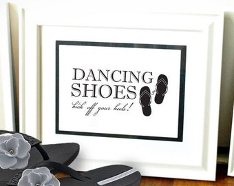 "Wedding Flip Flop Sign - 8"" by 10"" Wedding Sign"