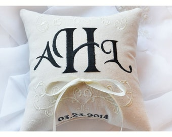 Ring bearer pillow, wedding ring pillow , ring pillow,  Custom embroidered ring bearer pillow , personalized ring bearer pillow,7x7 inch(R6)