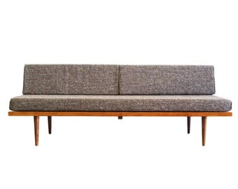 "Mid Century Modern Daybed (""Classic Daybed"")"