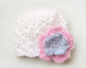 White Baby Girl Flower Hat, White Baby Shell Hat, White Newborn Hat, Photo Prop, Baby Hats, Ready to Ship, Mohair Baby Girl Hat, Newborn