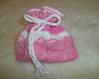 KNITTED JEWELRY POUCH with hearts