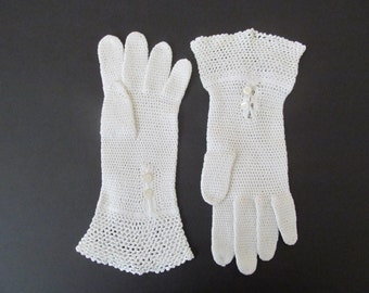 Vintage Off-White Crocheted Gloves Button Closure