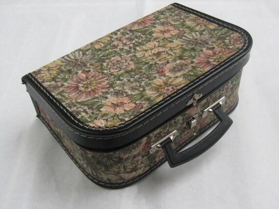 10 sale 60er 70er jahre kleiner koffer spielzeugkoffer for Cord sofa 70er