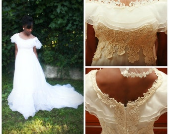 50's lace,organza tiered ruffle wedding dress with train and veil  size 4 small/xs