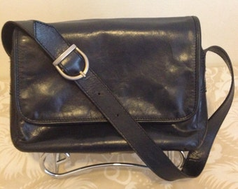 MALAS AMANTE Vintage 80s Navy Blue Leather Purse - Made in Portugal - Mint